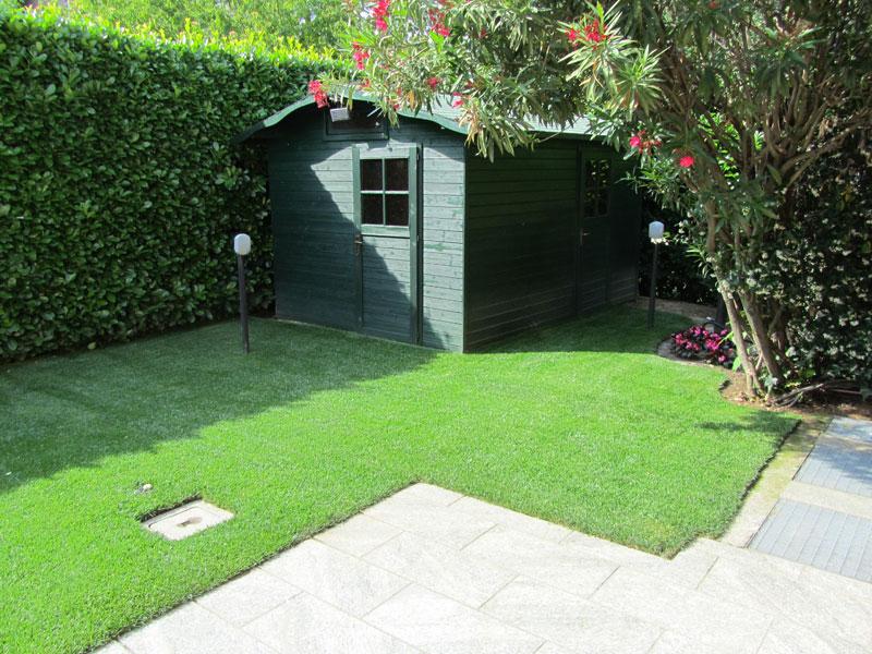 Arredare piccoli giardini fabulous ciottoli per giardino for Arredo giardino brescia