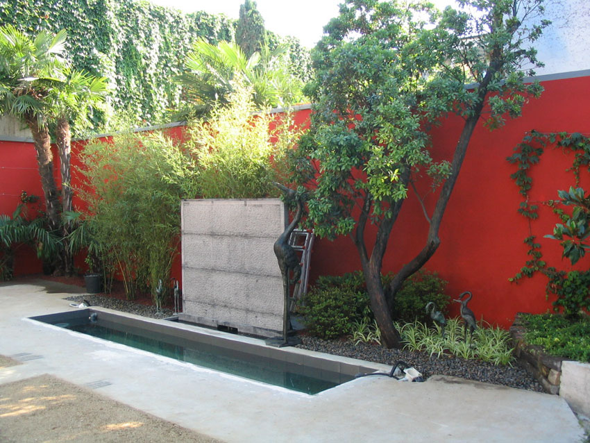 Realizzazione di laghetti artificiali e giochi d'acqua per giardini