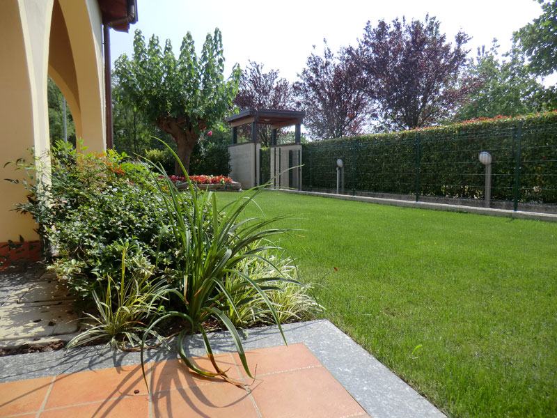 Progettazione giardini monza e brianza realizzazione for Progetto aiuole per giardino