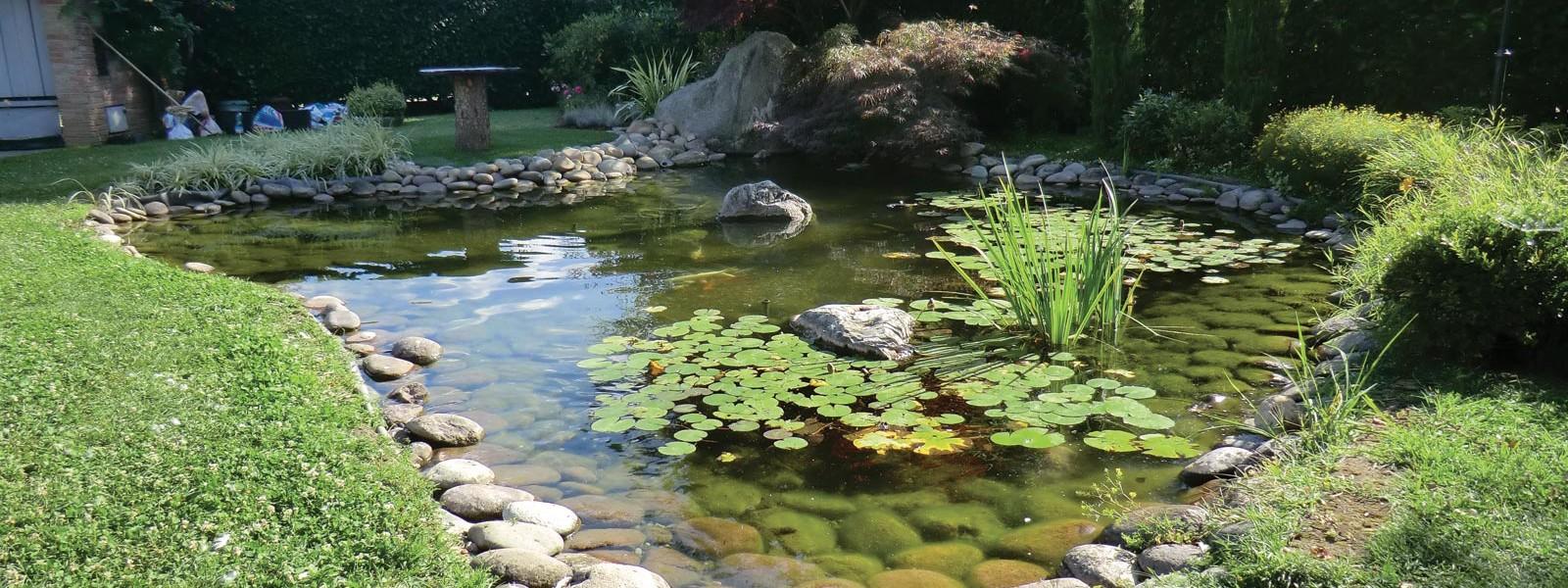 Laghetti artificiali fai da te laghetti artificiali per giardino come arredare la zona with - Laghetti da giardino ...